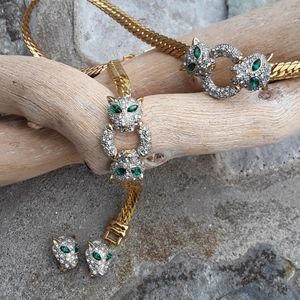 Vintage set gold rhinestone emerald green jaguar